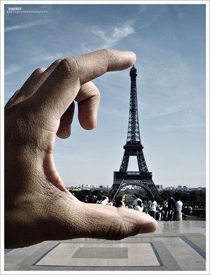 Danorbit_EiffelTower2006